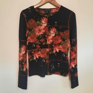 Tristan & Iseut Black and Floral Long Sleeve Top